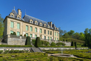 HMS3406775 France, Val d'Oise, Auvers-sur-Oise, castle of the XVIIth century and its formal garden, Meridionnale facade