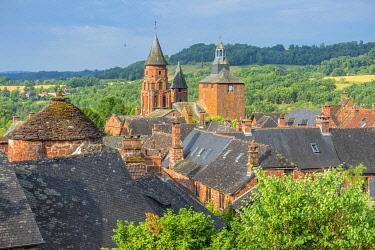 HMS3384639 France, Correze, Dordogne Valley, Collonges la Rouge, labelled Les Plus Beaux Villages de France (The Most Beautiful Villages of France), village built in red sandstone, bell tower Saint Pierre church
