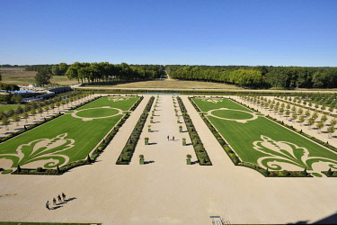 HMS3362454 France, Loir et Cher, Valley of the Loire listed as World Heritage by UNESCO, Chambord, the Royal Castle, French gardens