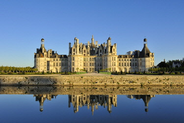 HMS3362462 France, Loir et Cher, Valley of the Loire listed as World Heritage by UNESCO, Chambord, the Royal Castle and its moat