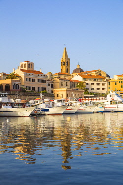 IT558RF Italy, Sardinia, Alghero, View of harbour and the historical center
