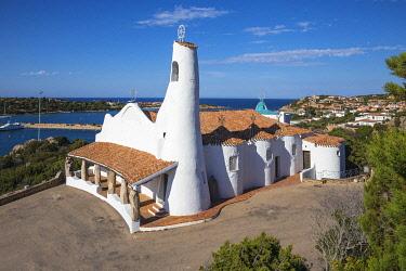 IT12423 Italy, Sardinia, Sassari Province, Costa Smeralda, Porto Cervo, Stella Maris Church by architect Michael Busiri Vici