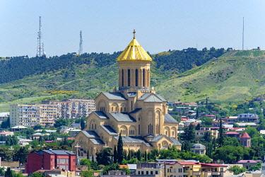 GEO0391AW Holy Trinity Cathedral and buildings in Avlabari, Tbilisi (Tiflis), Georgia.