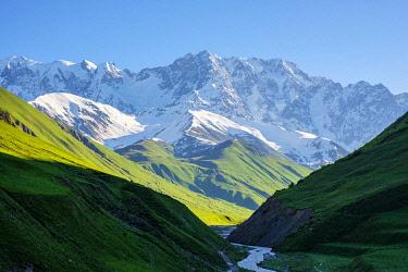 GEO0452AW Shkhara peak in the massif known as the Bezingi (or Bezengi) Wall, Ushguli, Samegrelo-Zemo Svaneti region, Georgia.
