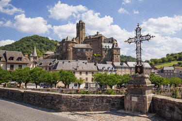 HMS3325048 France, Aveyron, Lot Valley, Estaing, labelled Les Plus Beaux Villages de France (The Most Beautiful Villages of France), stop on the Road of St Jacques de Compostela, listed as World Heritage by UNES...