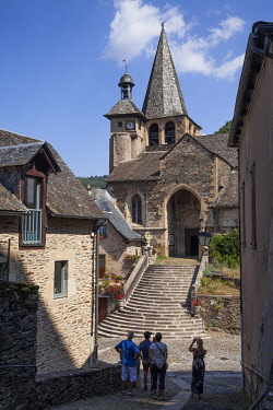 HMS3325049 France, Aveyron, Lot Valley, Estaing, labelled Les Plus Beaux Villages de France (The Most Beautiful Villages of France), stop on the Road of St Jacques de Compostela, listed as World Heritage by UNES...