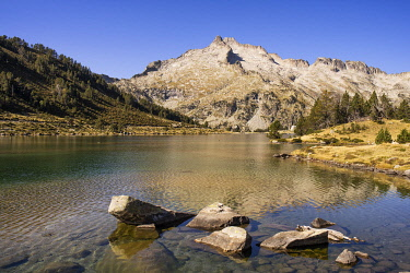 HMS3357349 France, Hautes Pyrenees, Neouvielle Nature Reserve, Neouvielle massif (3091m) and Aumar Lake