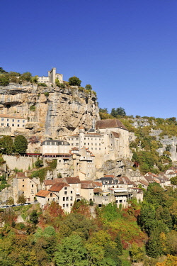 HMS3362401 France, Lot, Haut Quercy, Rocamadour, medieval religious city with its sanctuaries overlooking the Canyon of Alzouet and step of the road to Santiago de Compostela