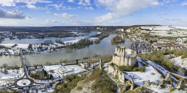 HMS3246496 France, Eure, Les Andelys, Chateau Gaillard, 12th century fortress built by Richard Coeur de Lion, Seine valley, the Seine in flood (aerial view)