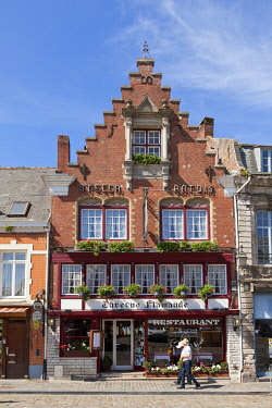 HMS3296109 France, Nord, Flanders, Cassel, favorite village of the French 2018, typical facade of the Flemish tavern