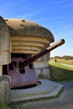 HMS3478527 France, Calvados, Longues sur Mer, German battery of the Atlantic Wall equipped with 150 mm marine guns