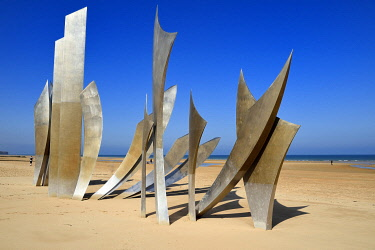 HMS3478534 France, Calvados, Saint Laurent sur Mer, Omaha Beach, The Braves memorial work of the sculptor Anilore Banon Anilore Banon