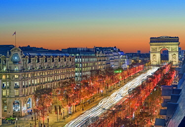 HMS3409913 France, Paris, Champs-Elysées avenue illuminated for Christmas and the arch of Triumph