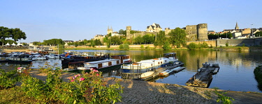 HMS3523557 France, Maine et Loire, Angers, the river port and the castle of the Dukes of Anjou, Saint Maurice cathedral in background