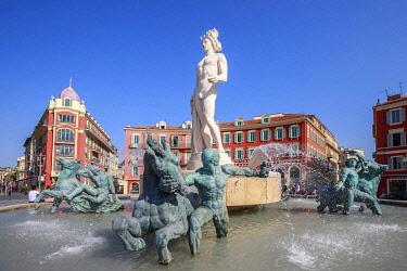 HMS3291112 France, Alpes Maritimes, Nice, place Masséna, the Fontaine du Soleil and the Apollon statue