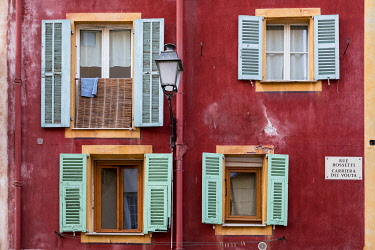 HMS3291181 France, Alpes Maritimes, Nice, Old Nice district, building facade, street Rossetti