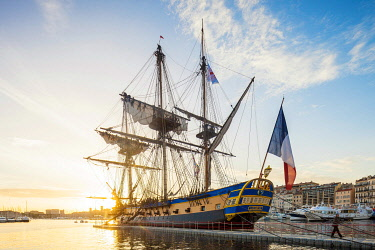 HMS3263306 France, Bouches-du-Rhone, Marseille, the Hermione moors from 12 to 16 April 2018 in the Old Port (Vieux-Port)