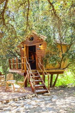 HMS3297521 France, Bouches du Rhone, Cassis, provencal tree house