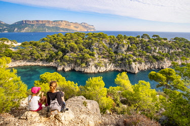 HMS3363131 France, Bouches du Rhone, Cassis, the cove of Port Pin and Cap Canaille in the background, National Park of Calanques