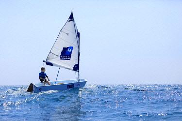 HMS3382004 France, Bouches du Rhone, Marseille, 8th arrondissement, Pointe Rouge district, yacht club, Yachting Club Pointe Rouge, sailing, optimistic