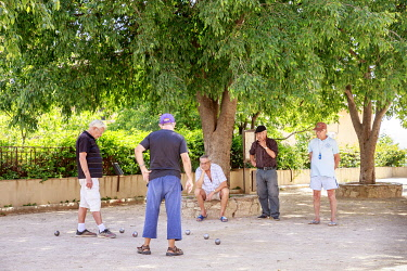 HMS3293689 France, Var, Grimaud, left game of bowls on the Vieille place