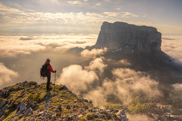 HMS3305205 France, Isere, Vercors Regional Natural Park, National Highlands Vercors Nature Reserve, Mont Aiguille (2086m) emerges from a sea of clouds
