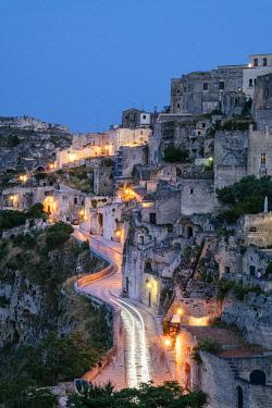 ITA14966AWRF Matera, European Capital of Culture 2019. Old town listed as World Heritage by UNESCO, Sasso Barisano at night, Basilicata, Italy