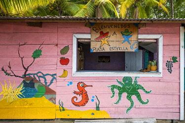 CLKAC116177 Playa Estrella (Starfish beach), Colon island, Bocas del Toro province, Panama, Central America