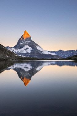 CLKGP115715 Matterhorn reflected in Riffelsee Lake at dawn (Zermatt, Canton of Valais, Visp, Switzerlan, Europe)