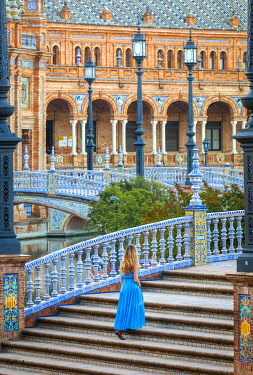CLKST117302 A girl walking in Plaza de Espana, Seville, Andalucia, Spain (MR)