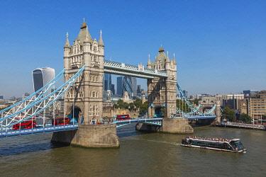 TPX71564 England, London, Tower Bridge and City of London Skyline