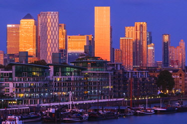 TPX71632 England, London, Docklands, Late Evening Light on Canary Wharf Skyline and River Thames