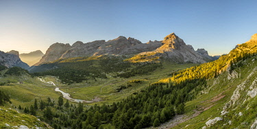 CLKMK116731 San Vigilio di Marebbe, Fanes, Dolomites, South Tyrol, Italy, Europe. Sunrise on the Fanesalm with the peaks Mount Cristallo, Mount Vallon Bianco, Furcia Rossa and Piz de Ciampestrin