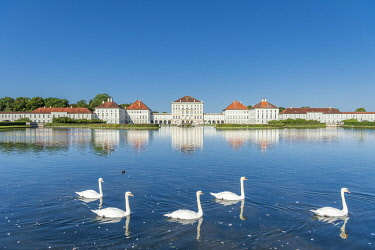 CLKMK116743 Munich, Bavaria, Germany. The Nymphenburg Palace with its landscape garden