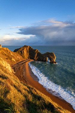 CLKAC117538 Durdle Door, Jurassic coast, Dorset, England, UK