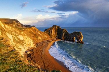 CLKAC117539 Durdle Door, Jurassic coast, Dorset, England, UK