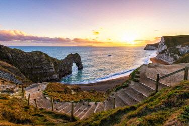 CLKAC117543 Durdle Door, Jurassic coast, Dorset, England, UK