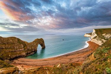 CLKAC117559 Durdle Door, Jurassic coast, Dorset, England, UK