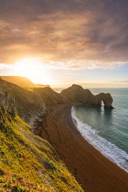 CLKAC117567 Durdle Door, Jurassic coast, Dorset, England, UK