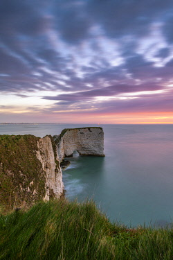 CLKAC117582 Old Harry Rocks, Handfast Point, Isle of Purbeck, Jurassic Coast, Dorset, England, UK