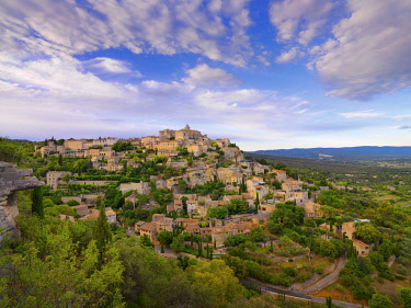 FRA11590AW France, Vaucluse, Provence, Gordes, overview