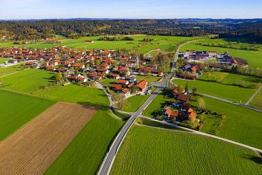 IBXHLI04929830 District Ascholding, municipality Dietramszell, Tolzer Land, Upper Bavaria, Bavaria, Germany, Europe
