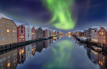 IBXRFI04906538 Winter, Bakklandet, Warehouses, Trondheim, Norway, Europe