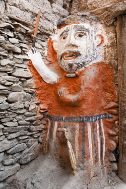 IBXSAU03757556 Animistic figure as a guard at the entrance to a house, Kagbeni village, Lower Mustang, Nepal, Asia