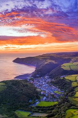 UK08633 Sunrise over Lynton, Emoor National Park, North Devon, England