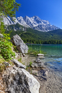 GER11905 The Eibsee Lake with Germany's highest mountain, the Zugspitze in the background,  Eibsee, Grainau, Bavaria, Germany.
