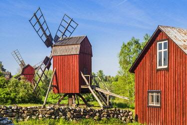 SW03171 Sweden, Oland Island, Storlinge, antique wooden windmills