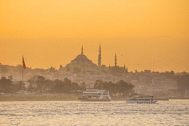 TK01746 Suleymaniye Camii (Mosque) across the Bosphorus, Istanbul, Turkey