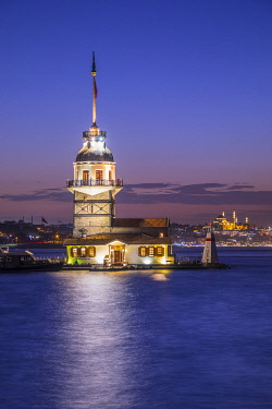 TK01750 Maiden's Tower (Kiz Kulesi) & Bosphorus from the Asian side of Istanbul, Turkey