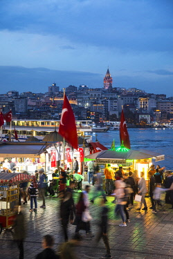 TK01806 Eminonu district (Galata Tower in the background), Istanbul, Turkey